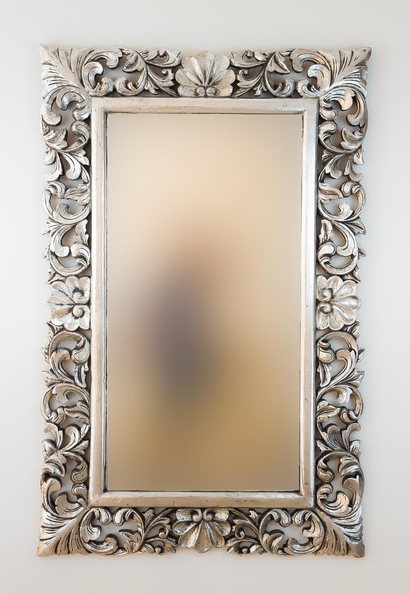 Espejo decorativo de pared en madera beladona plata for Espejo pared plata