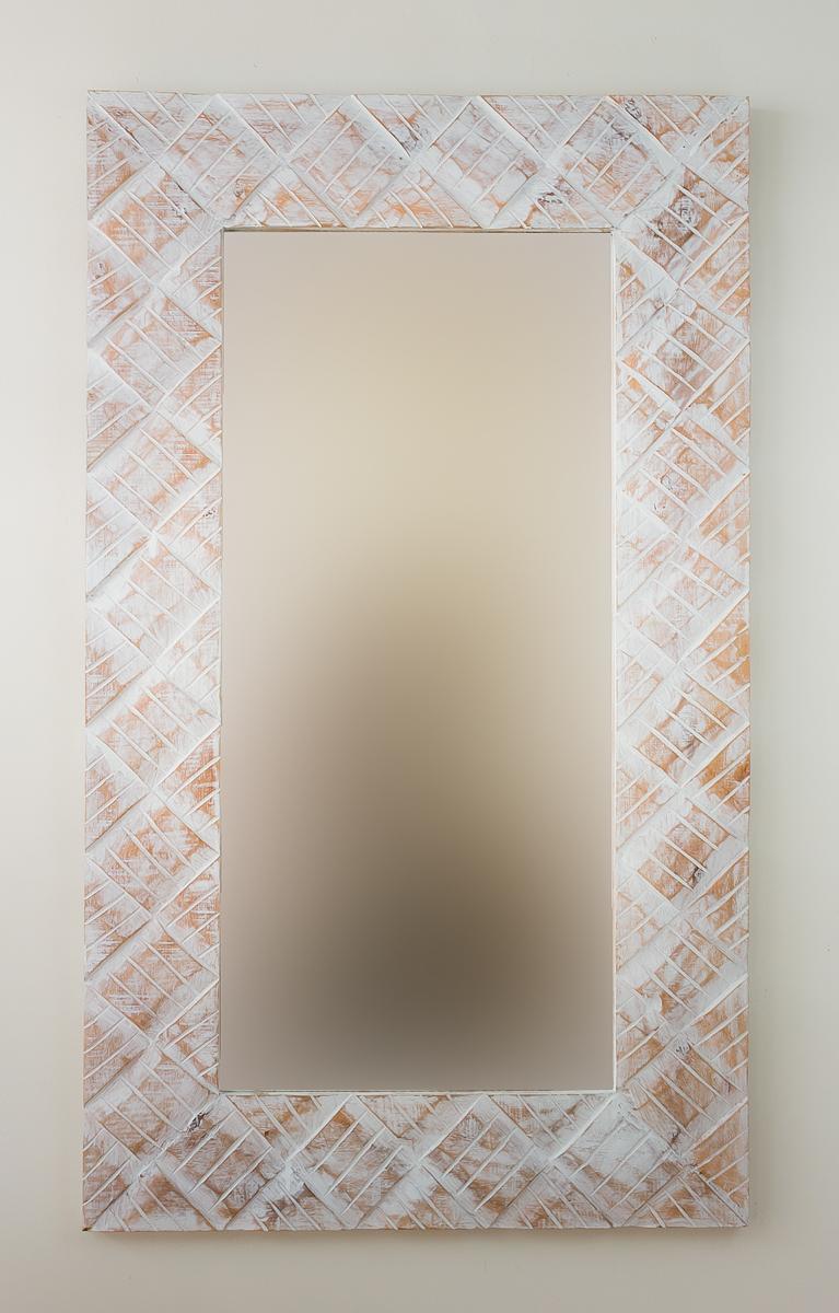 Espejo decorativo pared en madera tikar lebar blanco for Espejo blanco envejecido