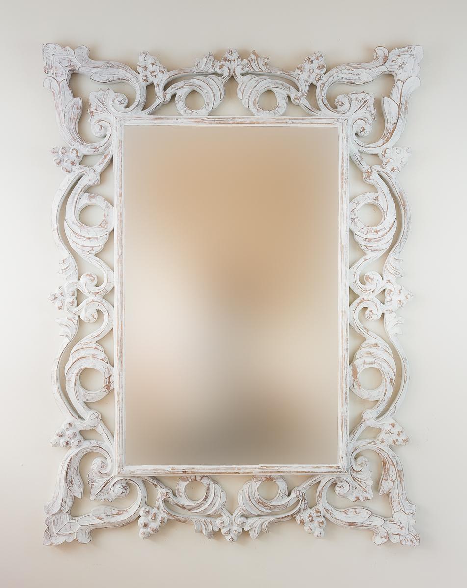 Espejo decorativo de pared en madera gada warta blanco for Espejo blanco envejecido