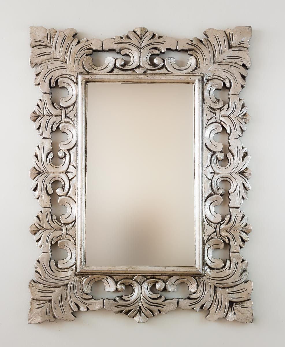 Espejo decorativo en madera colonial classic plata for Espejo madera envejecida