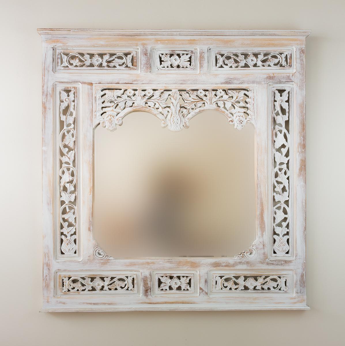 Espejo decorativo de pared en madera nanas teca blanco for Espejo blanco envejecido