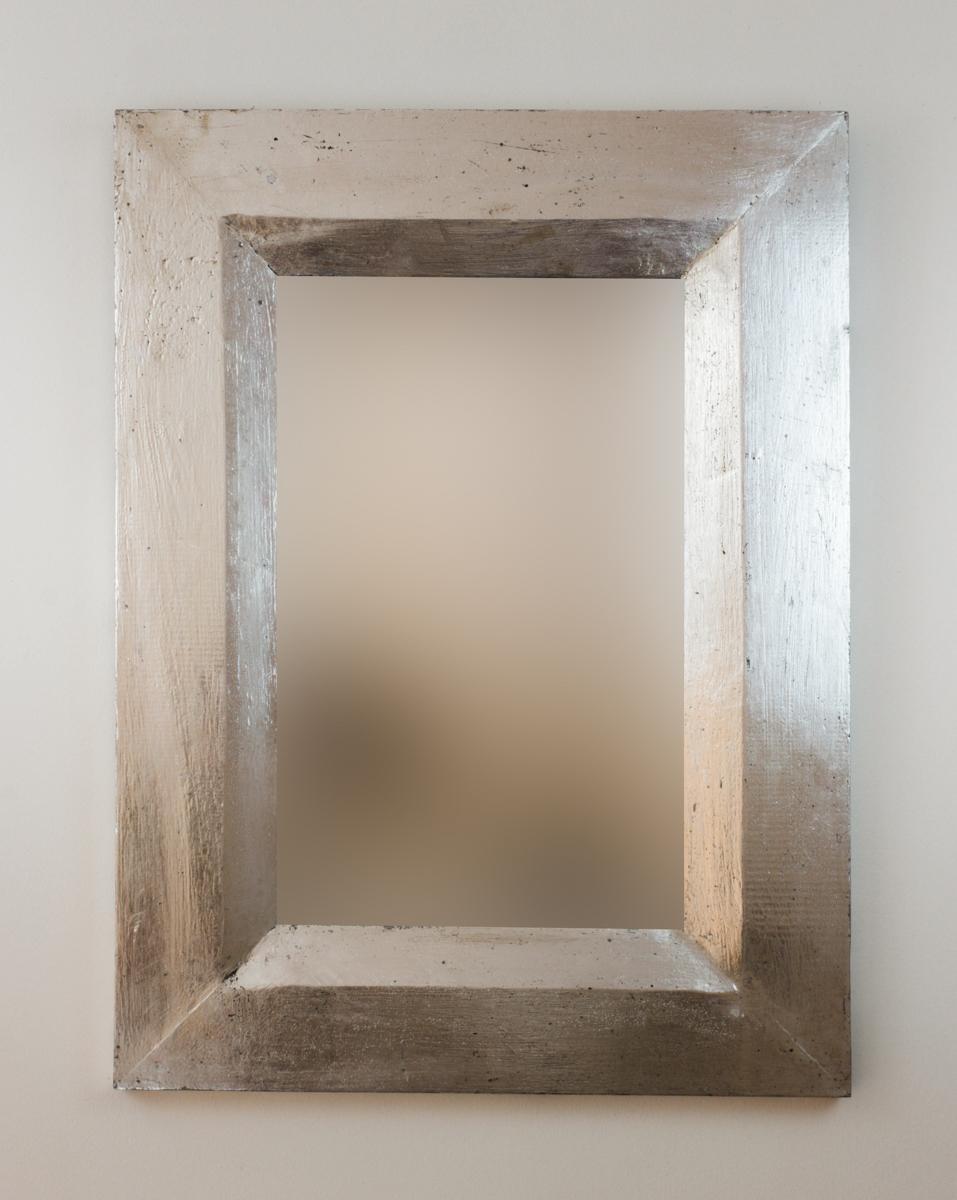 Espejo decorativo de pared en madera flat miring plata for Espejo pared plata