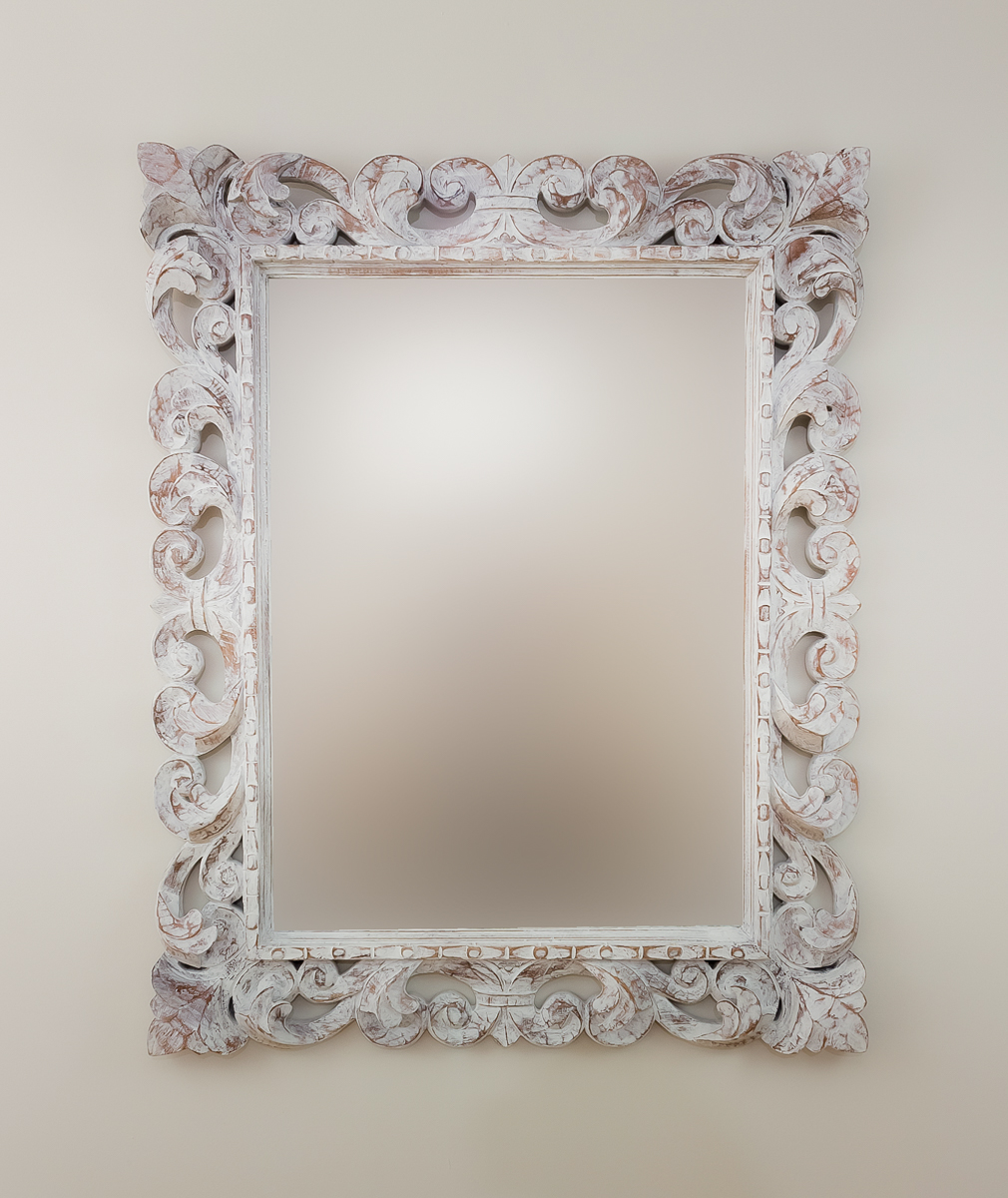 Espejo decorativo de pared en madera tommy blanco envejecido for Espejo blanco envejecido