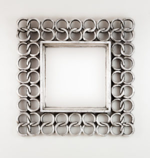 espejo pared decorativo de madera gold chaine square de 50x50cm en plata envejecida - Espejos Plateados