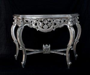 Consola Anggur tallada en madera y plata envejecida de 105x39x80 (aprox.)