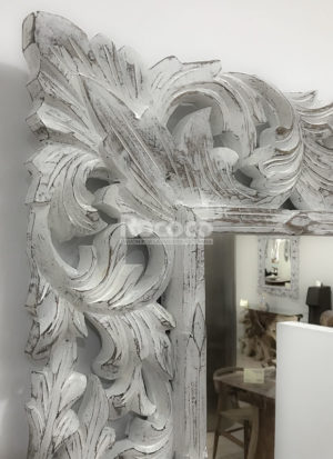 Espejo de pared decorativo Beladona Pan de oro de 140cm.