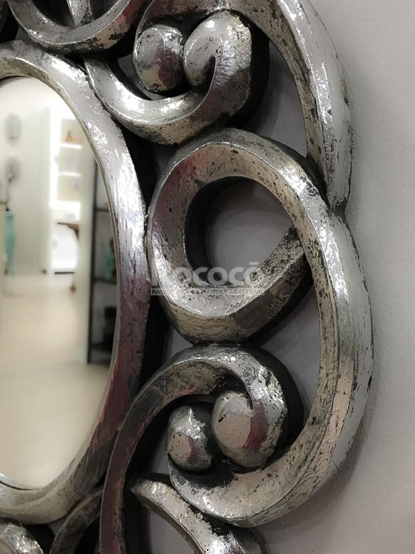 Espejo decorativo de pared en madera gospel plata for Espejo madera envejecida