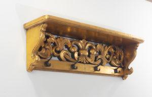 Perchero de madera y oro envejecido Kanda de 70x20cm