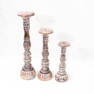 Candelabro Ukir natural en madera y blanco decapado