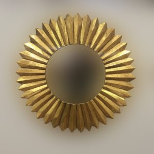 Espejo decorativo tipo sol de madera Surya Circle de 60x60cm en Oro (envejecido)