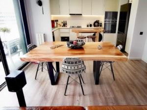 Mesa rústica de madera maciza de Suar de 180cm