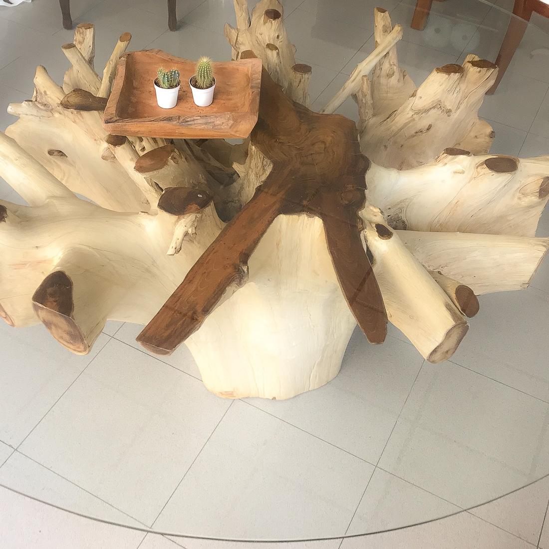 Mesa de raíz de teca con cristal de 180cm