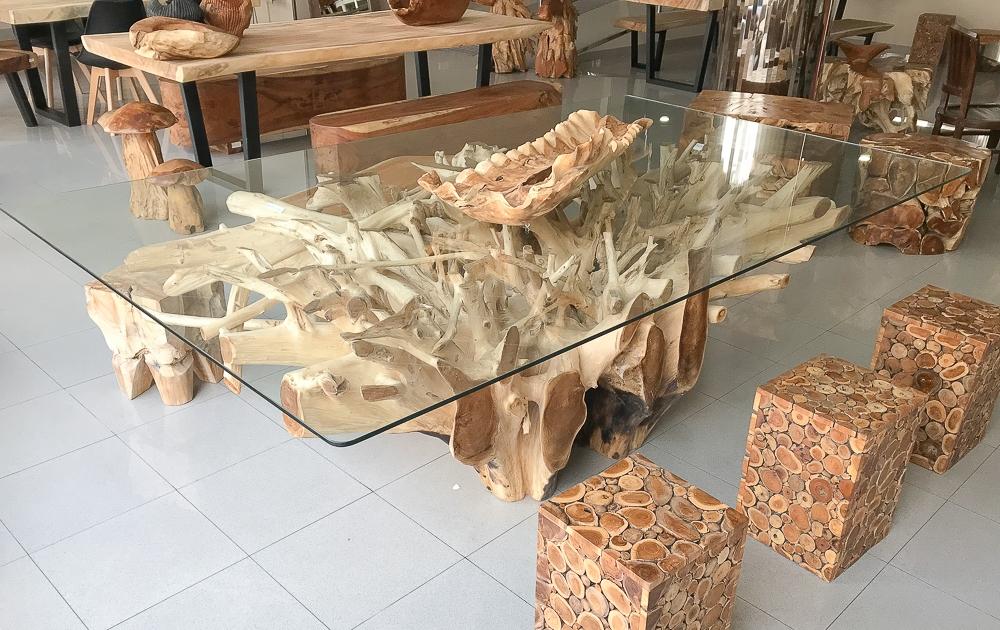 Mesa comedor de raiz de teca