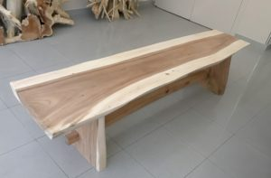 Banco rústico de madera maciza