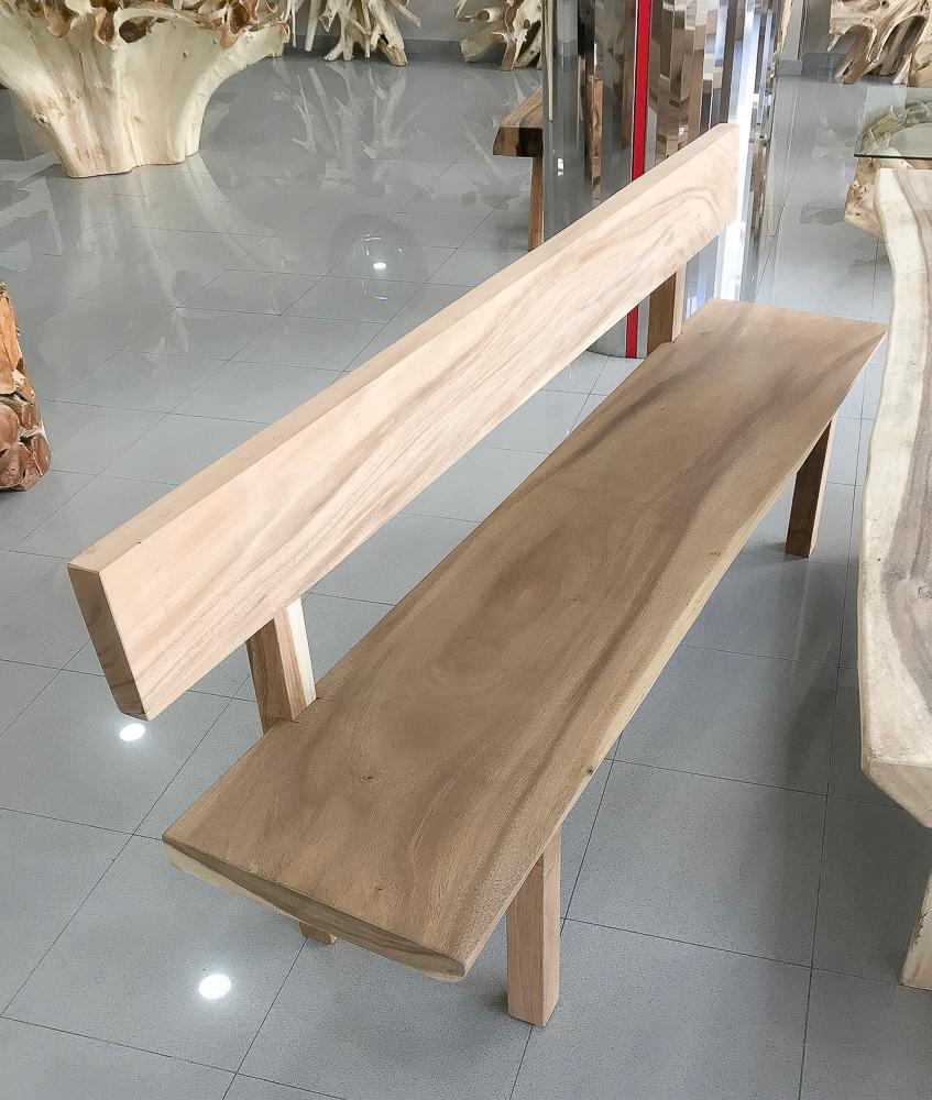 Bancos e madera con respaldo