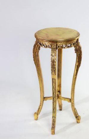 Mueble auxiliar de teca Cleo acabado en oro envejecido