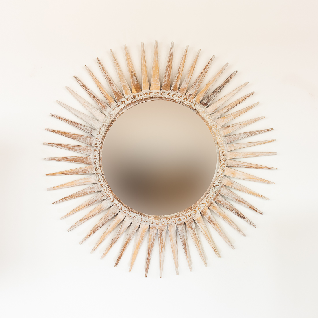 Espejo sol de madera decapada