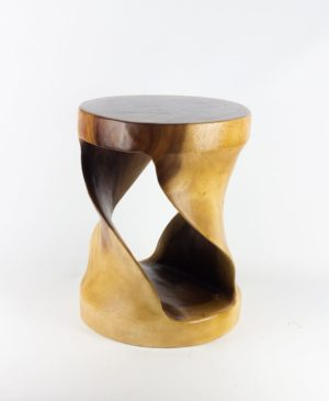 Taburete - mueble auxiliar redondo Twister de madera de suar de 45x35x35cm