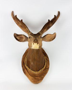 Cabezas de ciervo talladas en madera maciza de 70x46x35cm