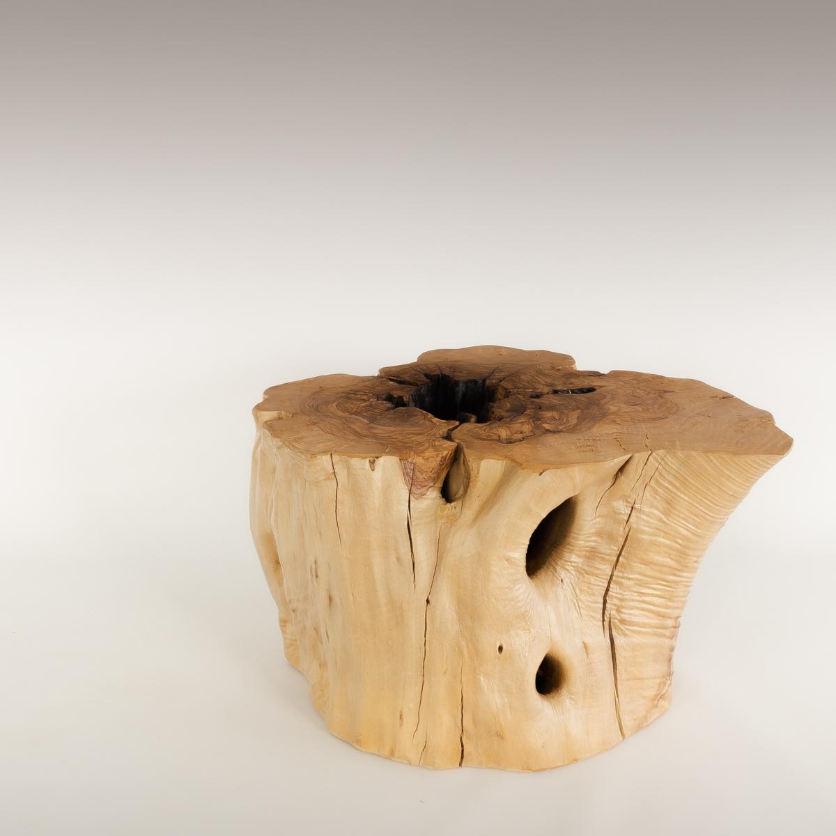 Mesa de Olivo de tronco natural de 36x46x66 | MiRococo.com