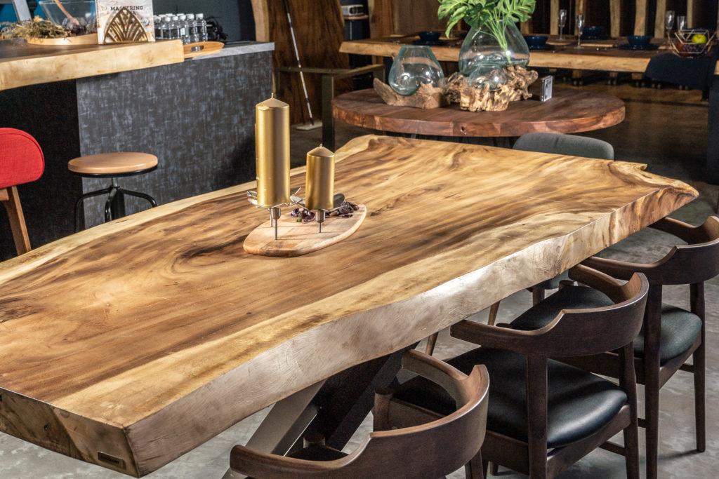 Mesas de madera macizas de una pieza