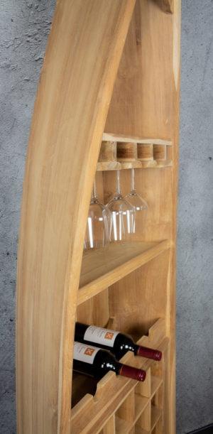 Mueble bar botellero con forma de barca