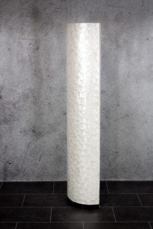 Lámpara de pie realizada en nácar