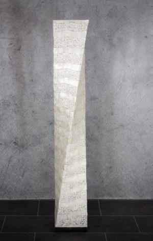 Lámpara de suelo realizada en nácar