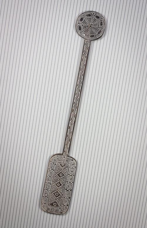 Remo decorativo de madera tallada