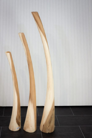 Candelabros decorativos altos de madera