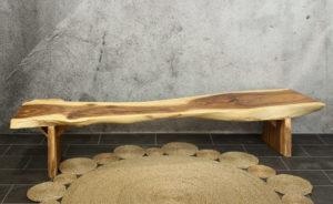 Banco de madera de suar