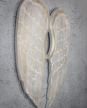 Alas de madera acabada en blanco decapado y pan de oro
