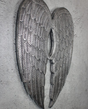 Alas de madera acabada en plata