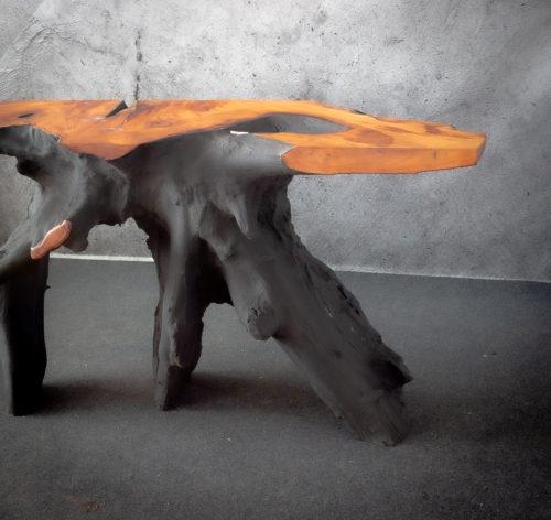 Consola de madera de suar acabado negro
