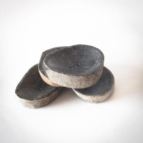 Jaboneras de piedra negra