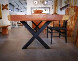 Mesas de suar de madera rústica con pata metal