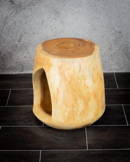 Taburete de madera o mesa auxiliar de Suar