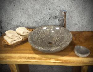 Lavabo de mármol color gris con brillos de cuarzo. Pulido 2 caras de 45cm de diámetro.
