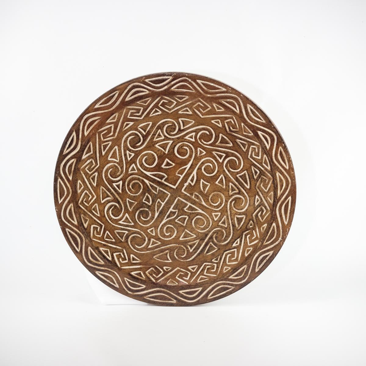Plato de madera tallado con motivos étnicos de 50cm. MiRococo