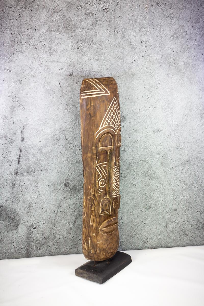 Máscara étnica con pedestal de 120cm