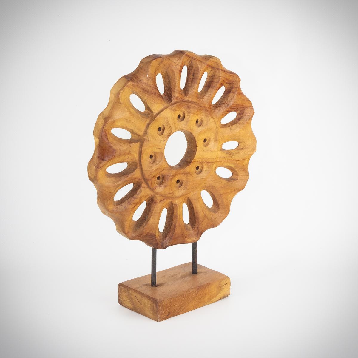 Figura de madera de Teca decorativa con pedestal de 40x29x10cm aprox. MiRococo