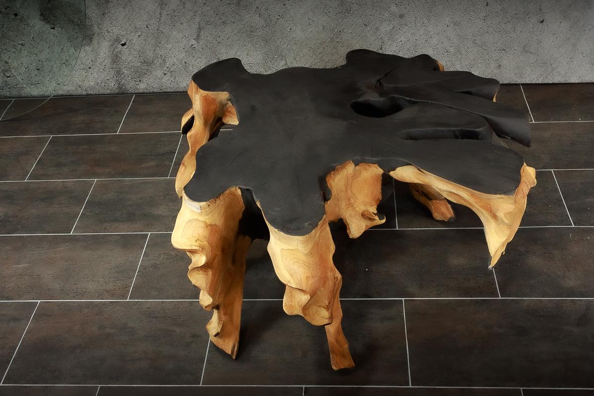 Mesa redonda café de teca con acabado combinado en negro mate de 92x90cm