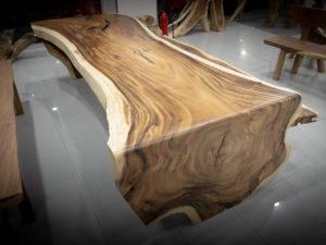 Mesa de SuMesa de Suar con pata de una piezaar con pata de una pieza