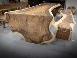 Mesa de Suar con pata de una pieza