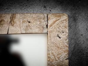 Espejo cuadrado de madera de teca y decapado