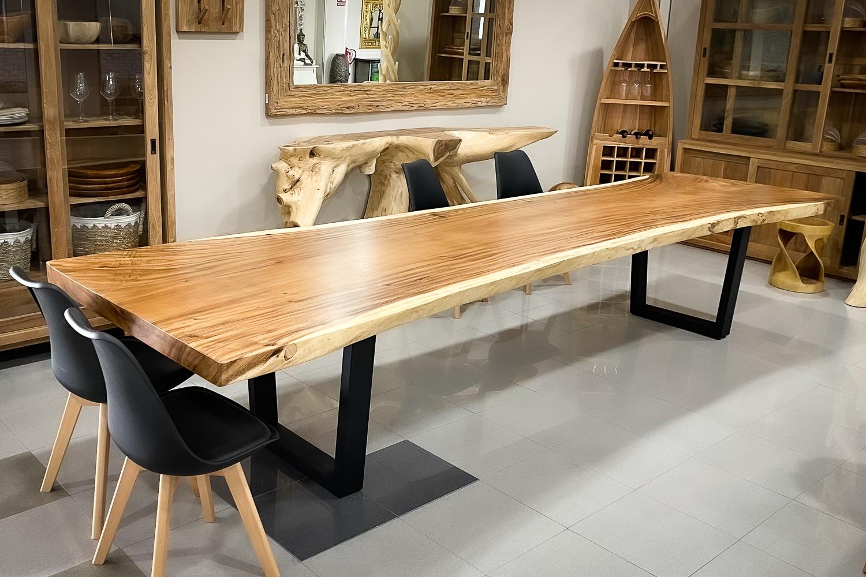 Mesas macizas de una pieza de Suar