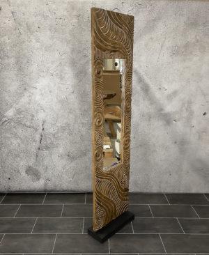 Espejo étnico tallado en madera con pedestal de 200x50cm
