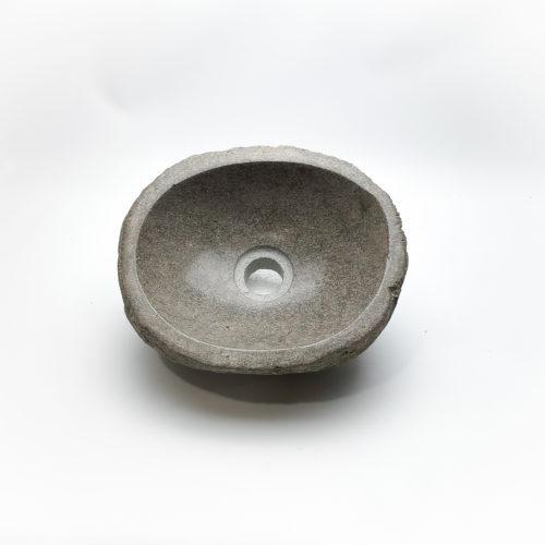 Lavabo pequeño de piedra River (imagen real). De 0x0   Naturaleza en tu baño de mirococo.com