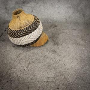 Lámpara rattan - vinilo natural.-negro-blanco de 40cm