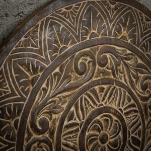 Panel redondo decorativo de 80cm con tallado étnico